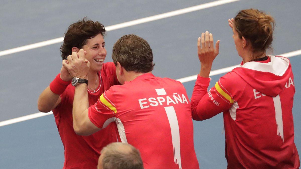 Carla Suárez celebra la victoria en el segundo partido de la eliminatoria que enfrenta a Bélgica y España en la Copa Federación