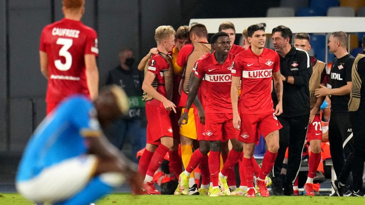 Quincy Promes esulta per il gol in Napoli-Spartak Mosca - Europa League 2021/2022