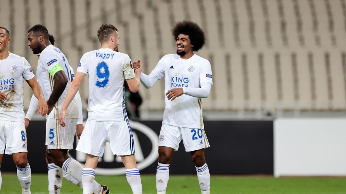 Hamza Choudhury of Leicester City celebrates with Jamie Vardy of Leicester City after scoring to make it 0-2 during the UEFA Europa League Group G stage match between AEK Athens and Leicester City at Athens Olympic Stadium