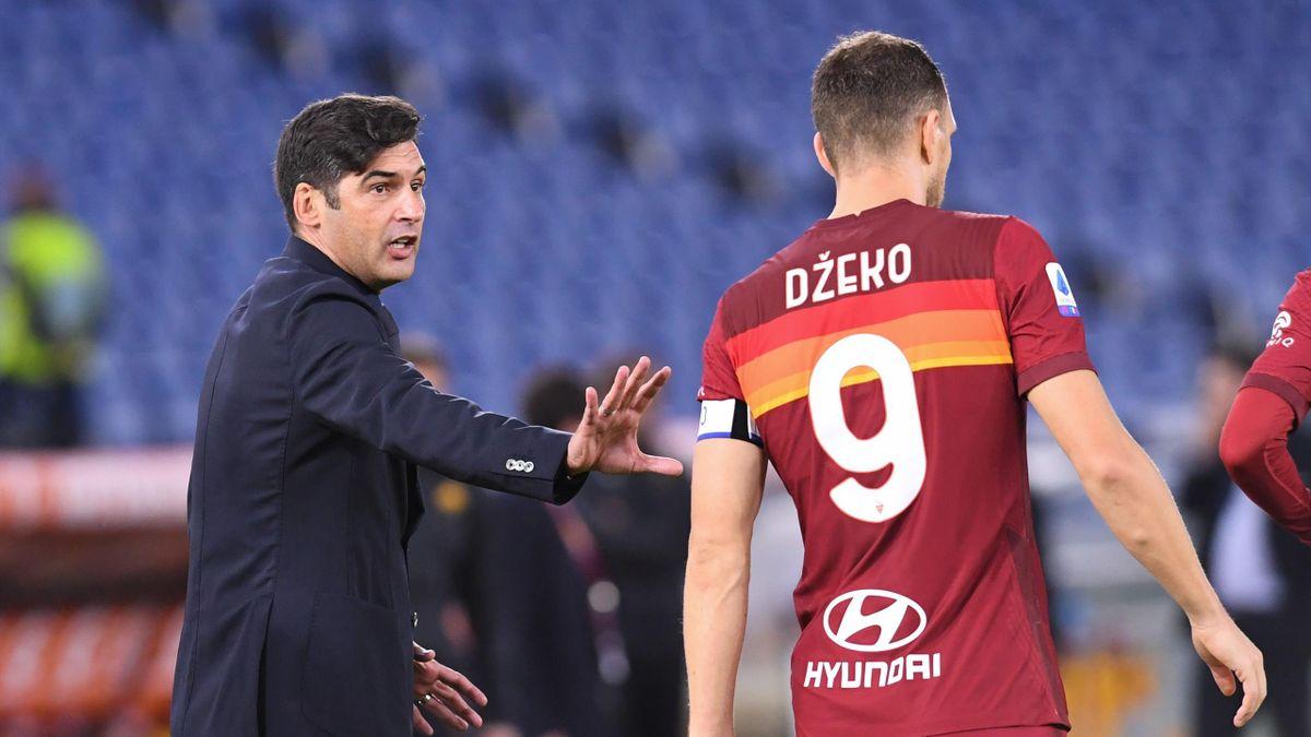 Roma-Benevento, Serie A 2020-2021: l'allenatore della Roma Paulo Fonseca dà indicazioni a Edin Dzeko (Getty Images)
