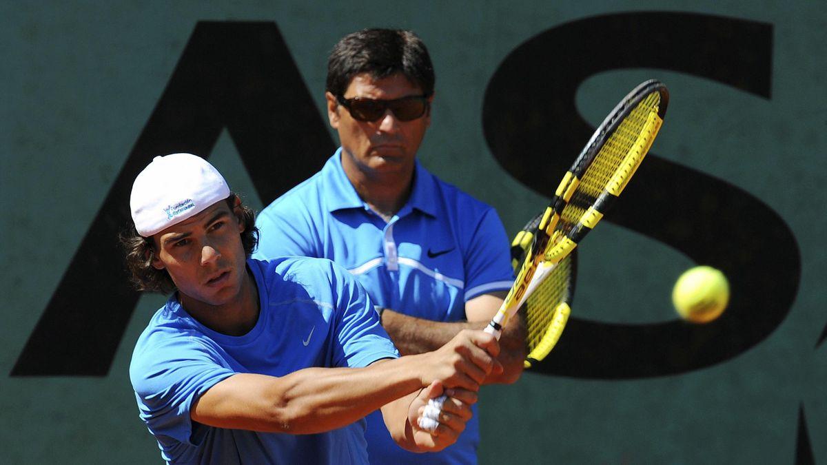Rafael Nadal, nagybátyja, Toni társaságában.