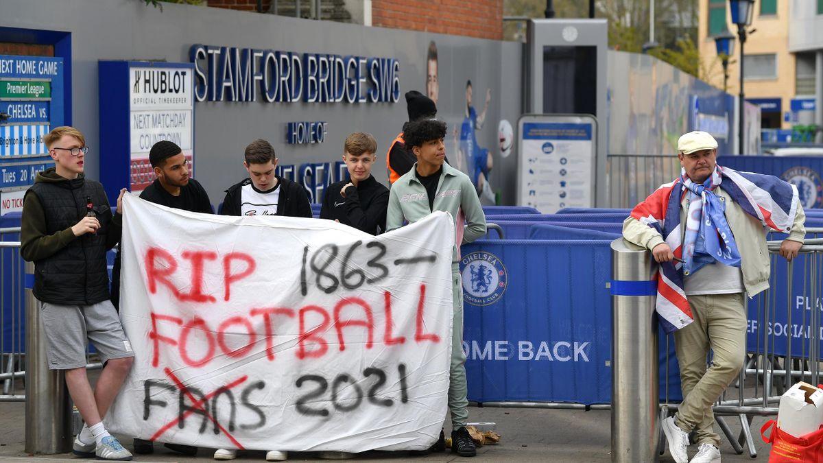 La colère des fans de Chelsea contre la Super League (Stamford Bridge)