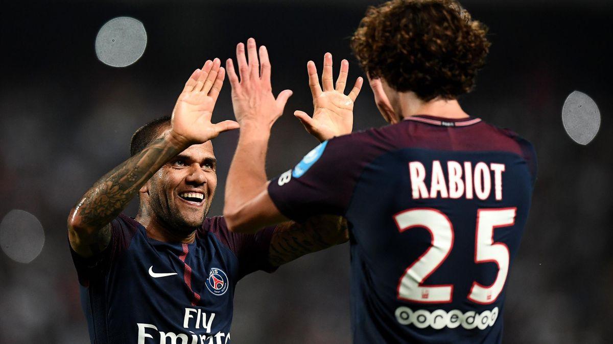 PSG Monaco : Dani Alves et Adrien Rabiot