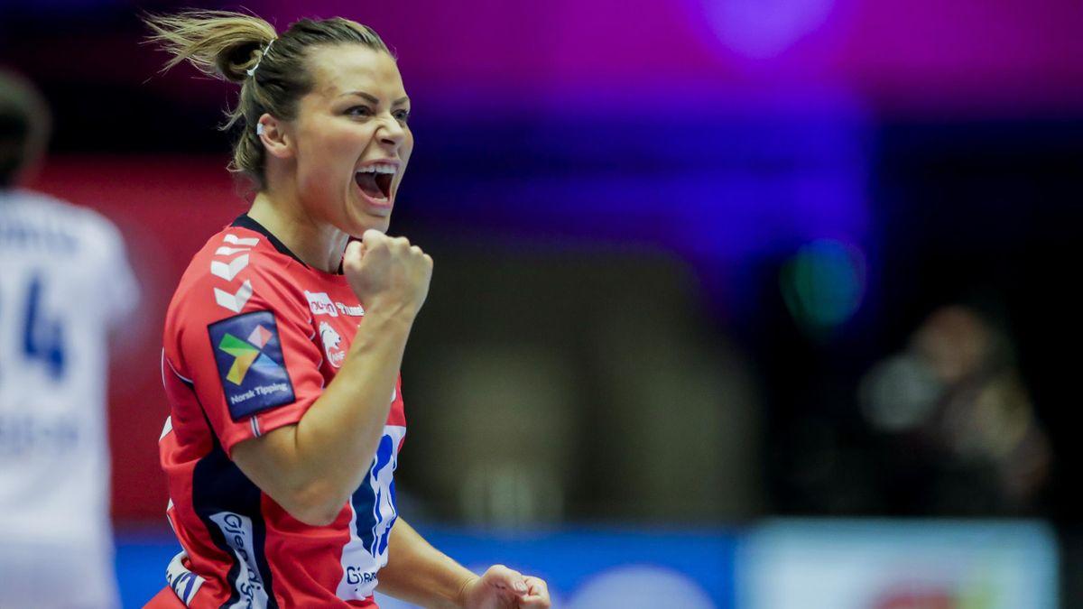 Nora Mørk jubler under EM-finalen i desember. En kamp Norge vant 20-22.