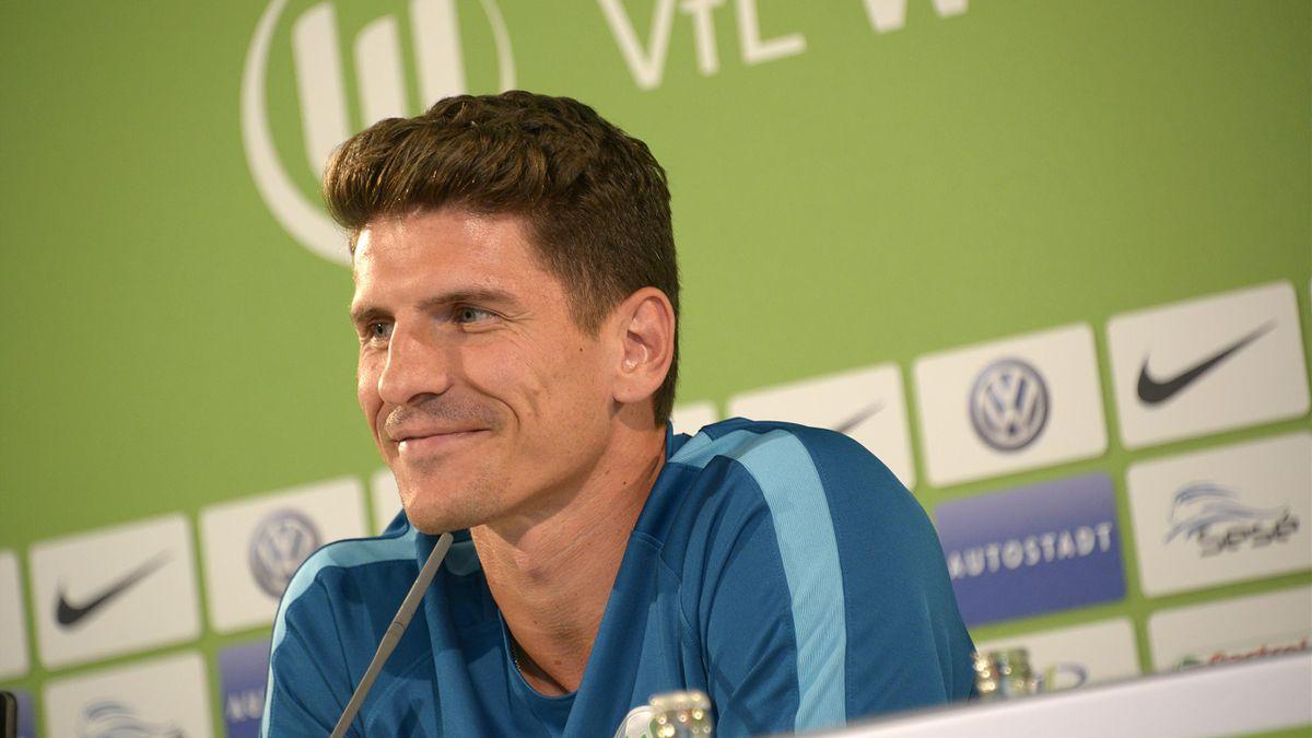 Nationalstürmer Mario Gomez will mit Wolfsburg angreifen