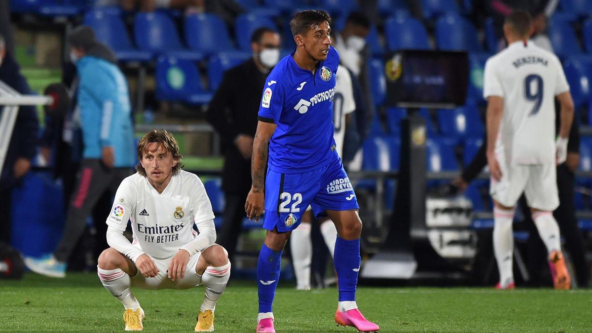 Real-Star Luka Modric hockt nach dem 0:0 beim FC Getafe enttäuscht auf dem Boden