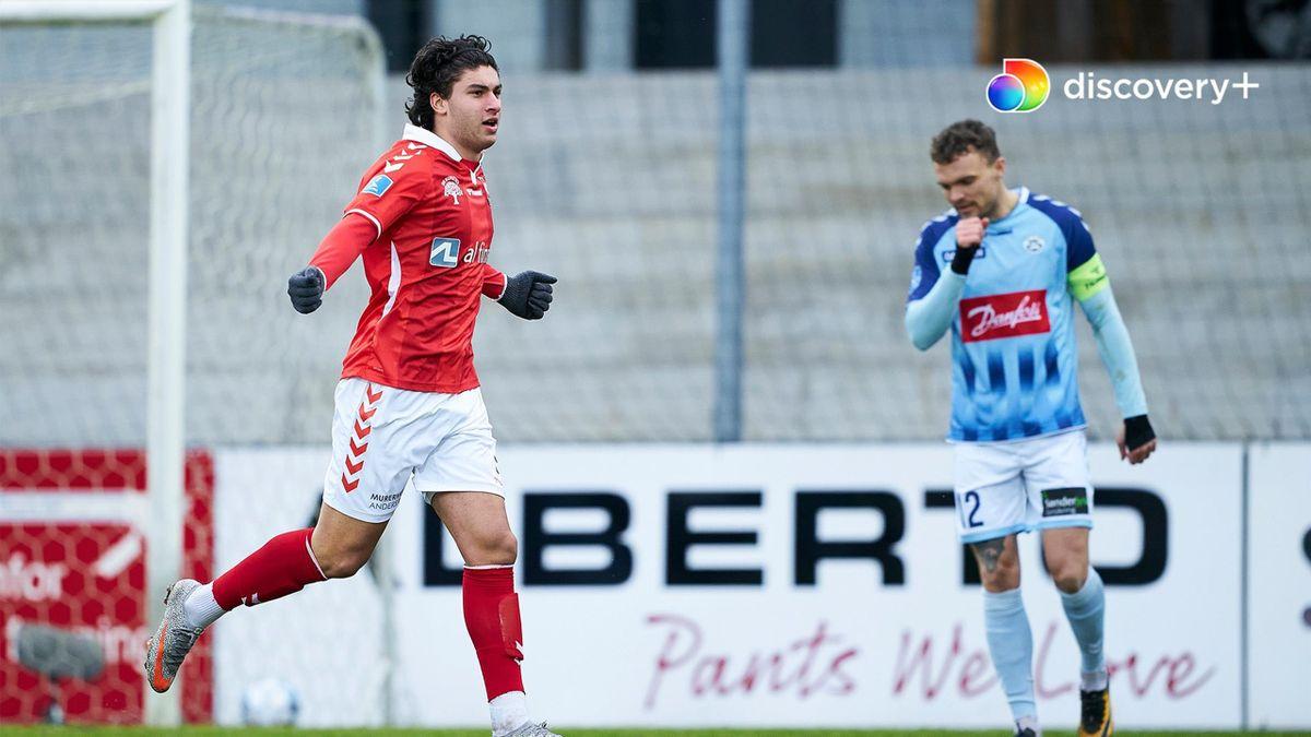 Vejle BK sælger det afghansk-danske talent til Stuttgart på en femårig aftale.