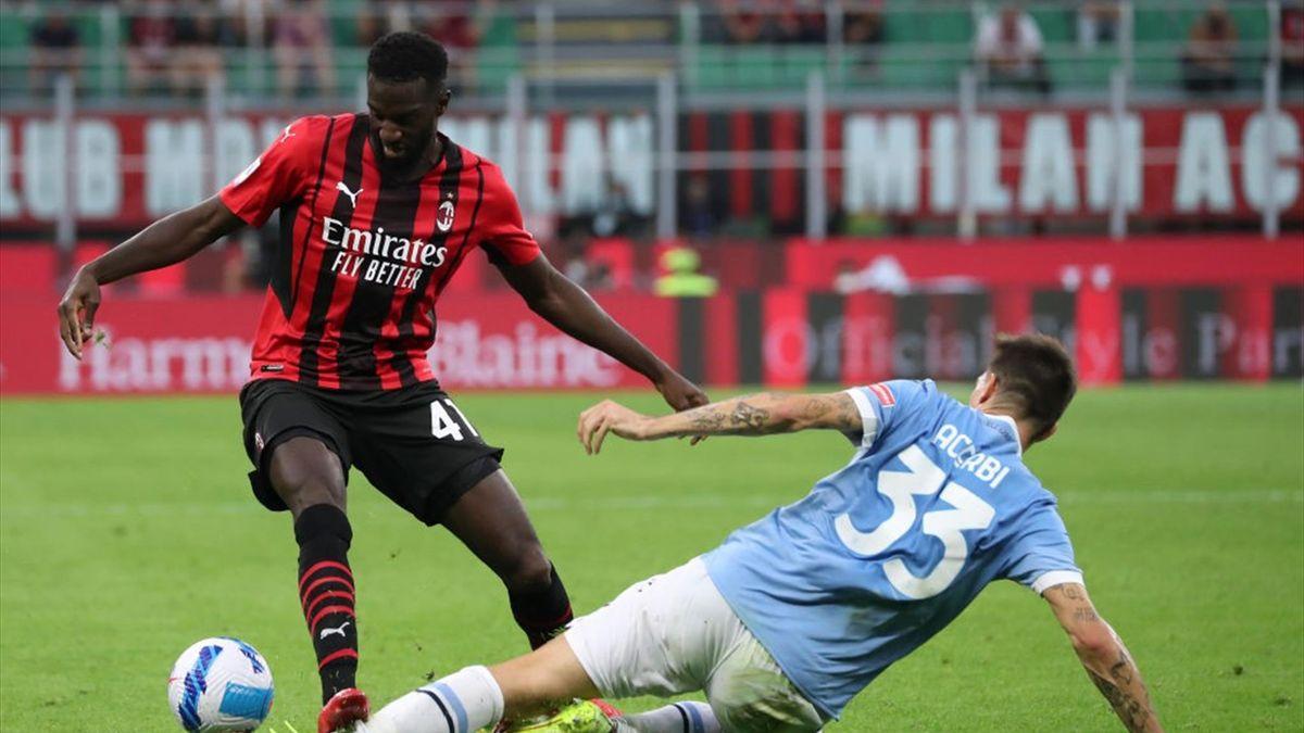 Tiemoué Bakayoko in azione durante Milan-Lazio - Serie A 2021-22