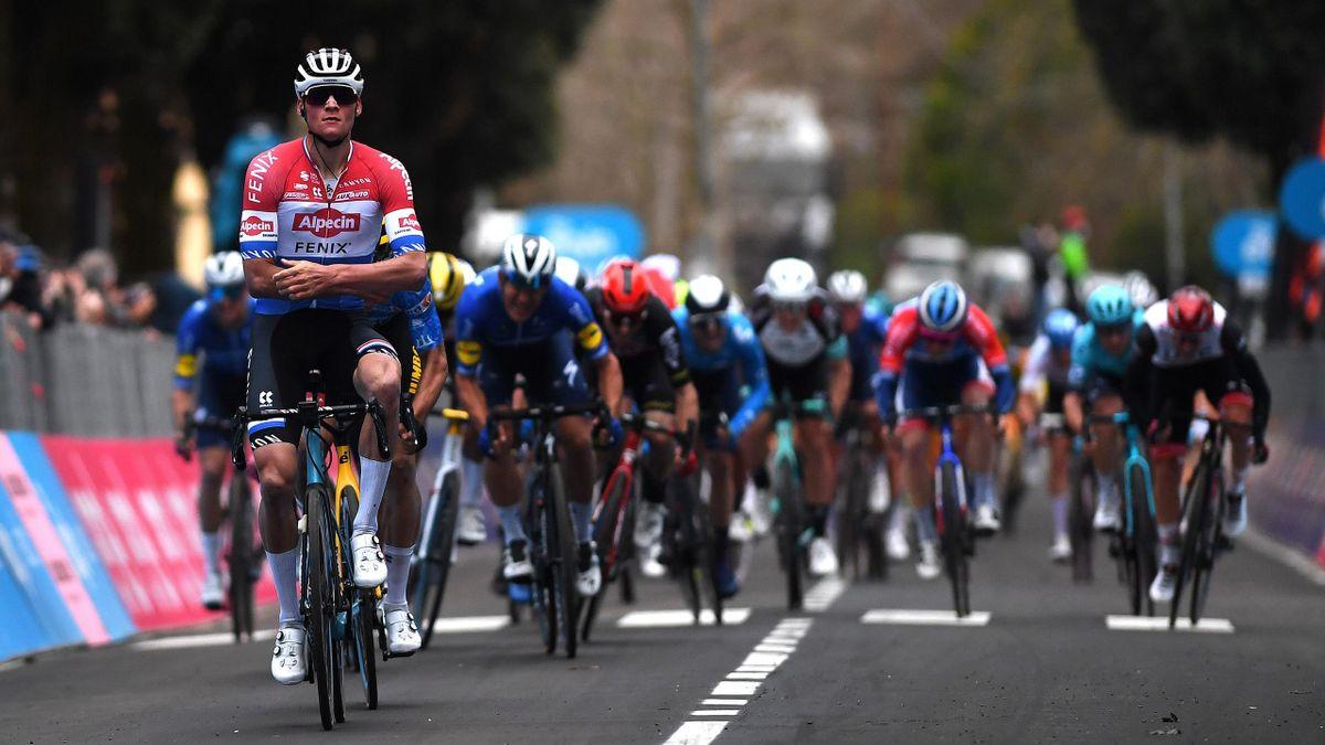 Mathieu van der Poel gewinnt die 3. Etappe bei Tirreno-Adriatico