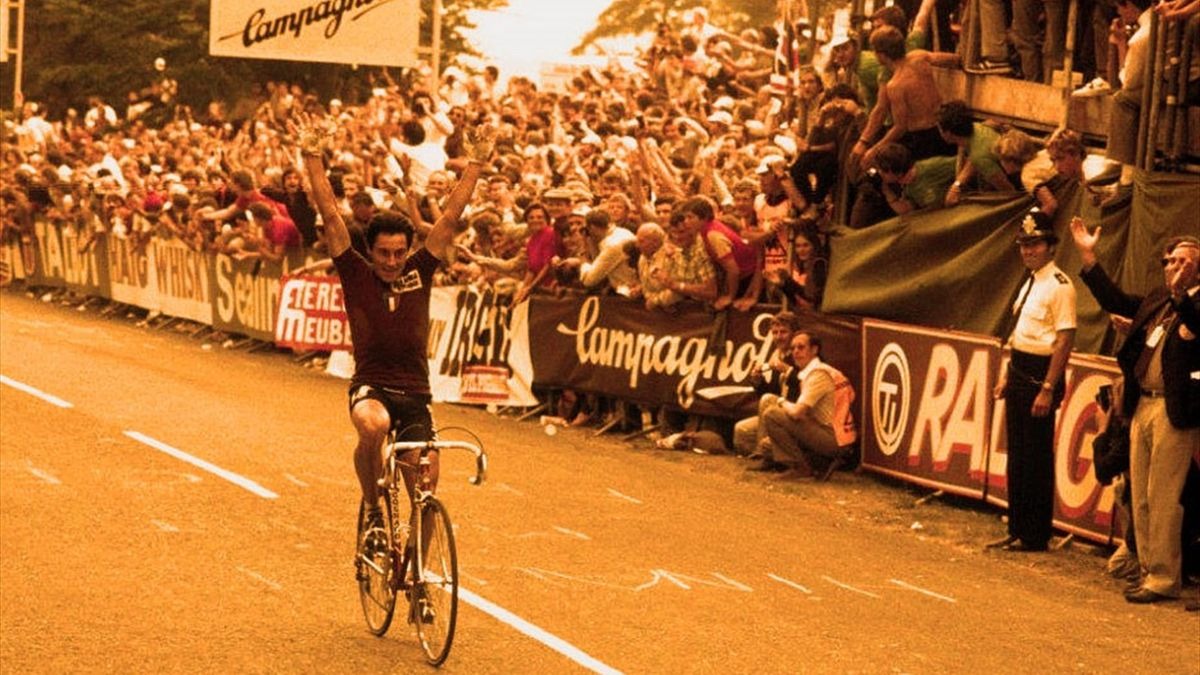 Giuseppe Saronni wins the World Championships at Goodwood in 1982