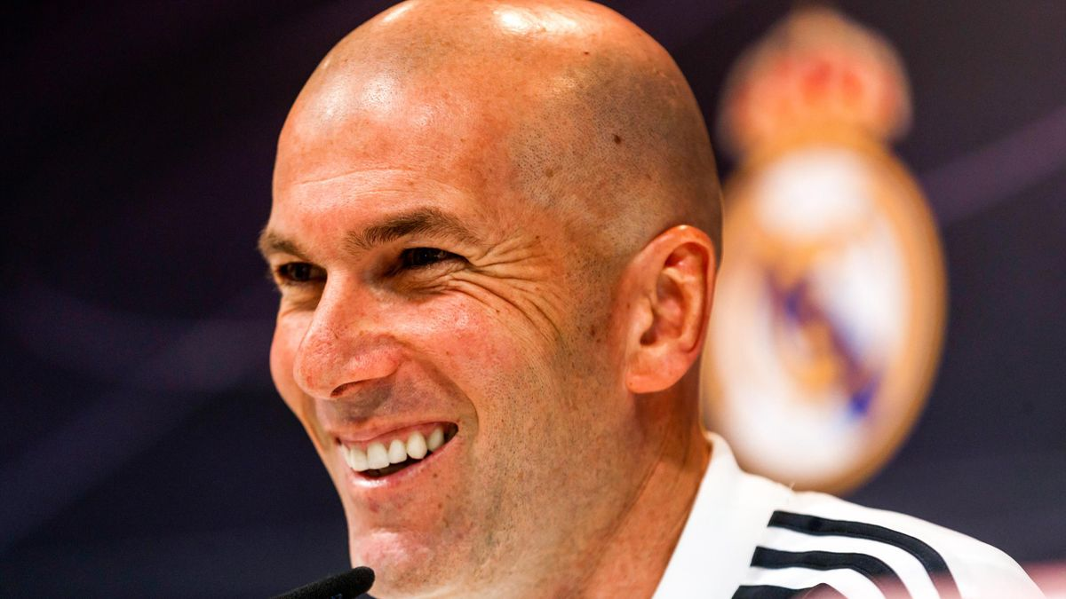 Zinédine Zidane, tout sourire en conférence de presse