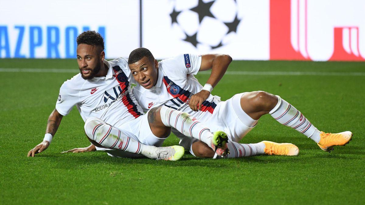 Neymar et Kylian Mbappé lors de la victoire du PSG sur l'Atalanta Bergame en Ligue des champions