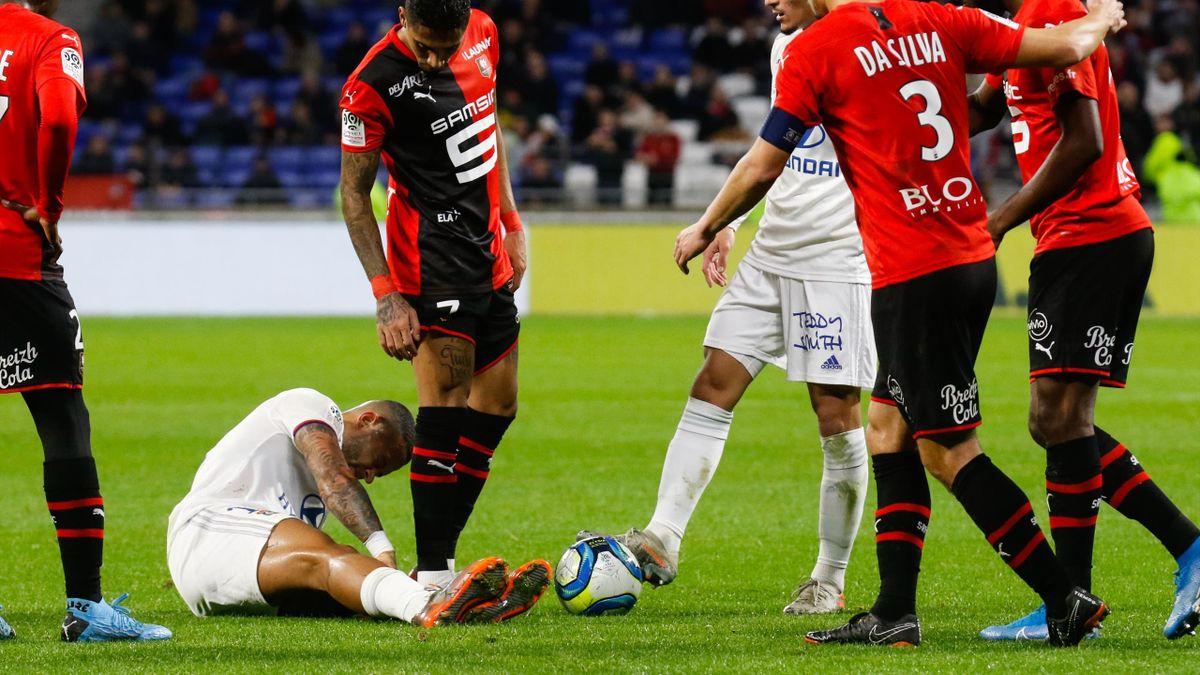 Memphis Depay blessé contre Rennes, 2019