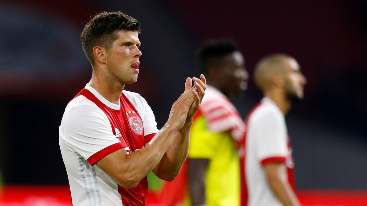 Ajax's Klaas Jan Huntelaar looks dejected at the end of the match as he applauds the fans