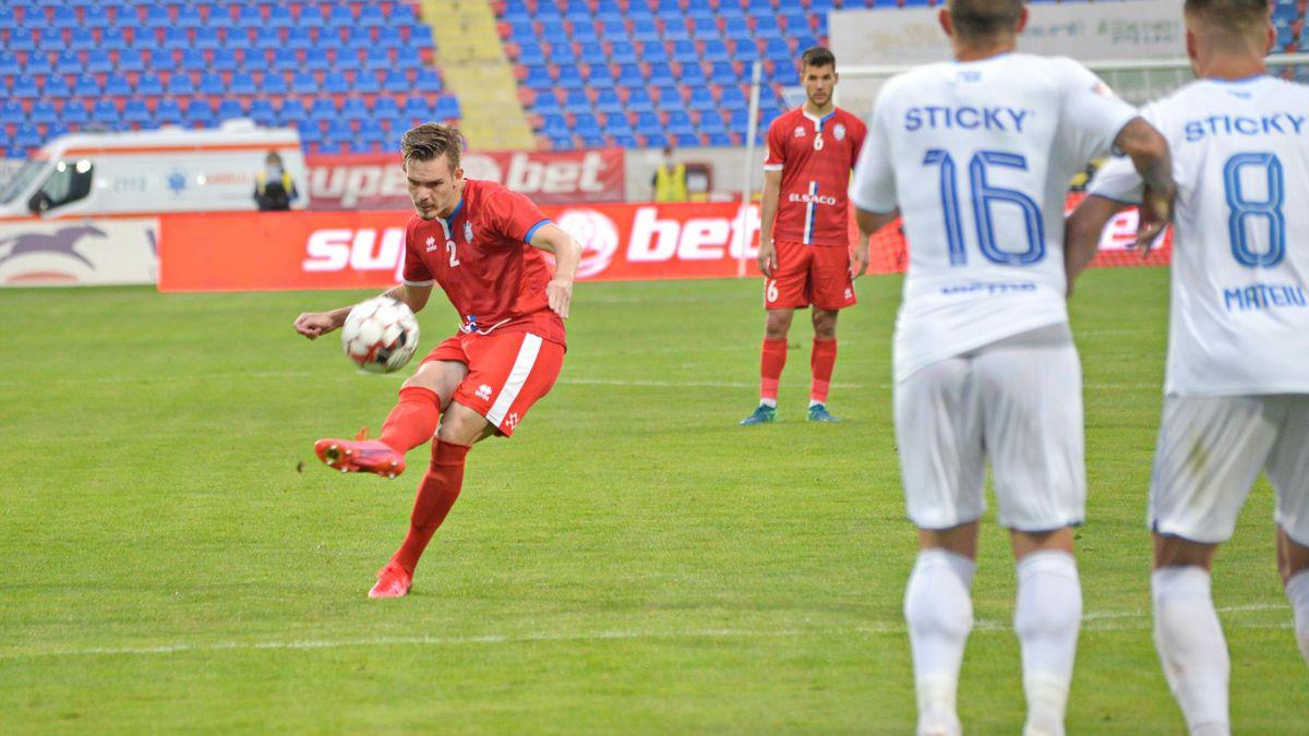 Denis Haruț, într-un meci cu Universitatea Craiova