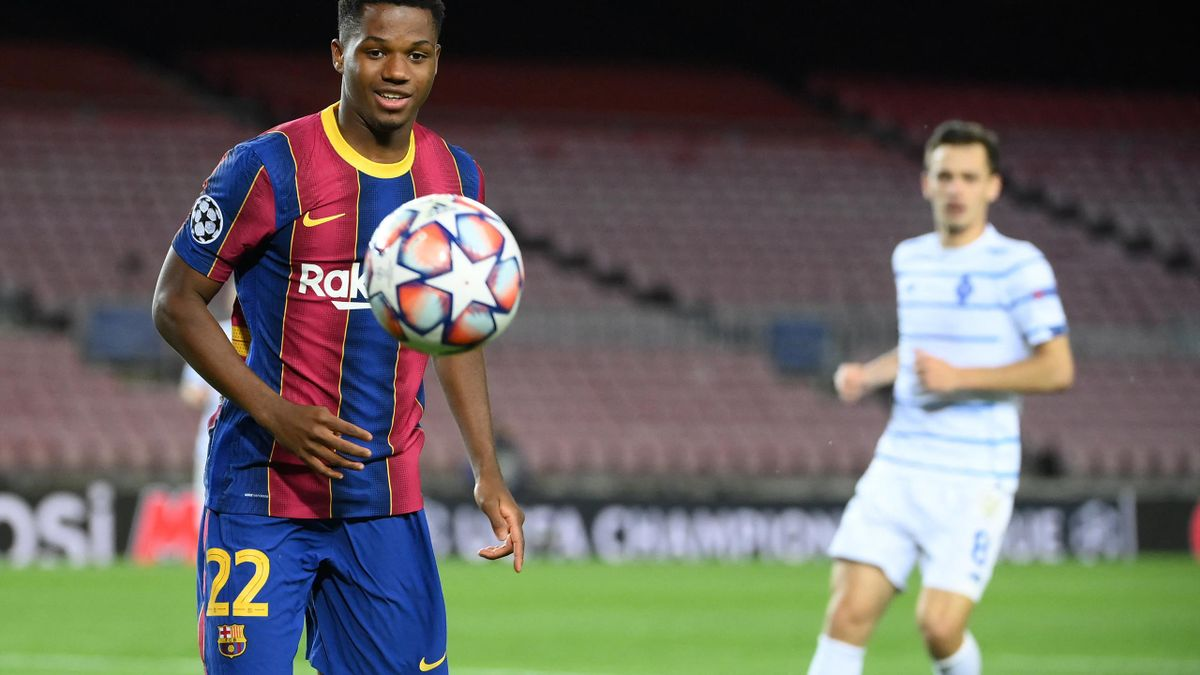 Ansu Fati kapja Messi mezszámát