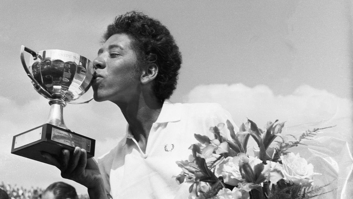 Althea Gibson bei ihrem Sieg bei den French Open 1956