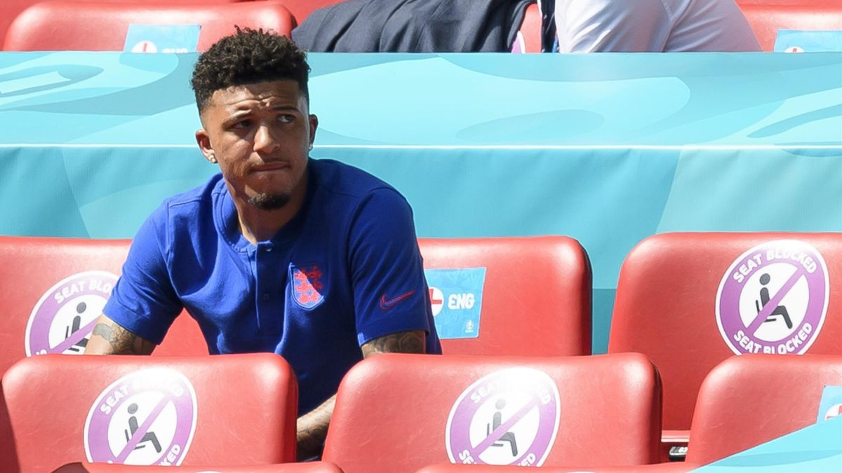 'Southgate continues to baffle us there' - Why no Sancho for England?