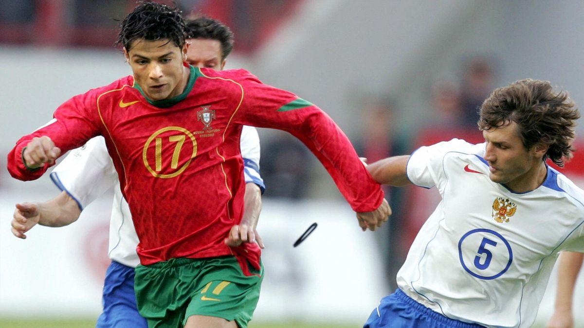 Криштиану Роналду и Дмитрий Сенников в матче Россия – Португалия, 7 сентября 2005 года