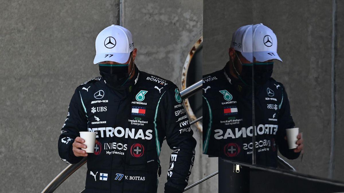 Valtteri Bottas beschwerte sich über die Mercedes-Rennanzüge