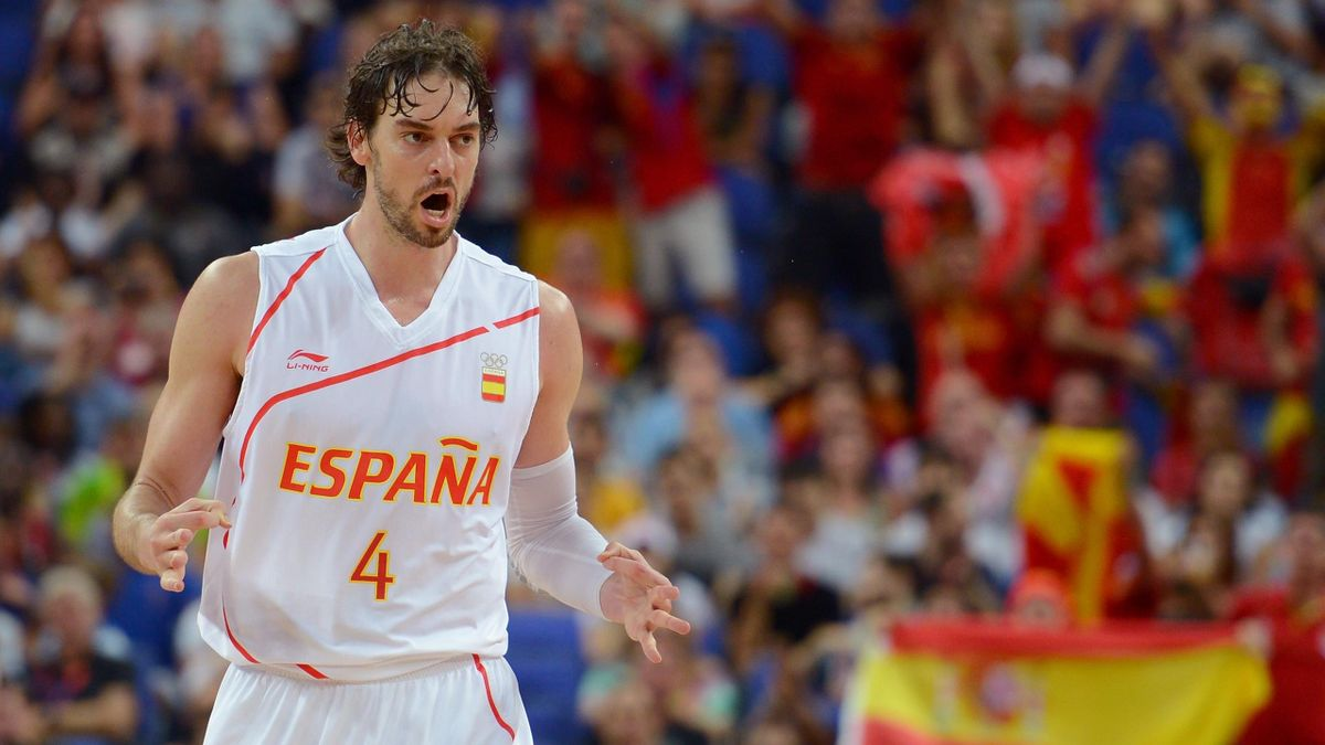 Pau Gasol #4 of Spain reacts against Russia during the Men's Basketball semifinal match on Day 14 of the London 2012 Olympic Games at the North Greenwich Arena on August 10, 2012 in London, England