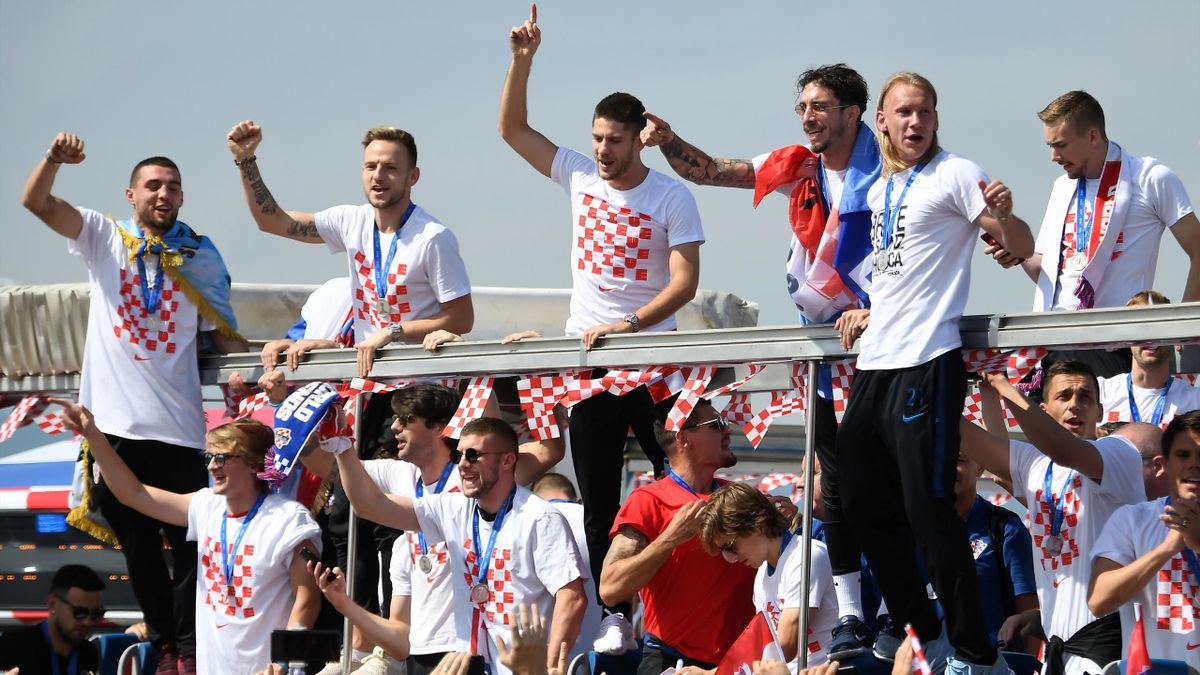 Croatia players salute their fans after returning as heroes to Zagreb