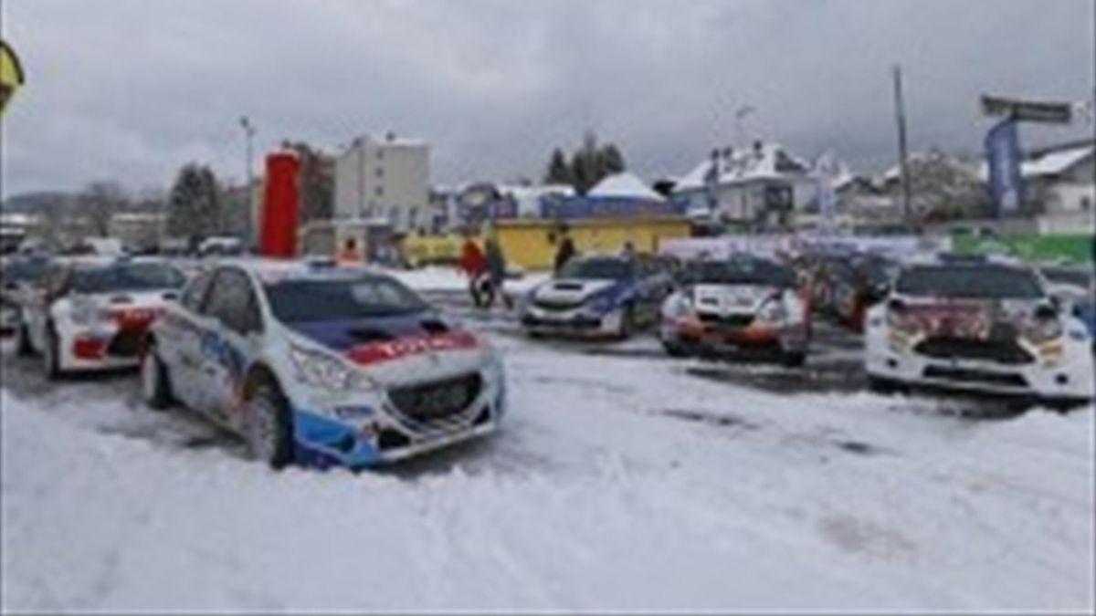 Los coches del ERC preparados para el Rally de Austria