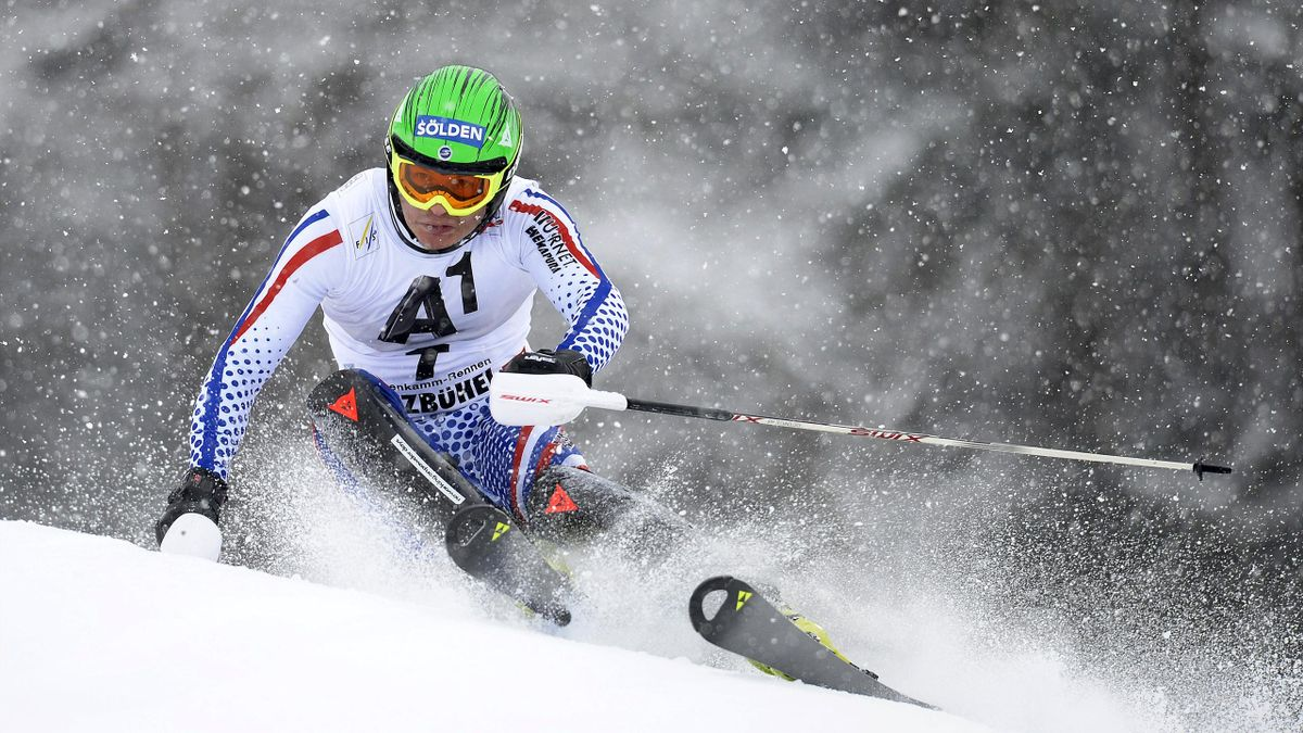 Alexander Khoroshilov lors du slalom de Kitzbühel