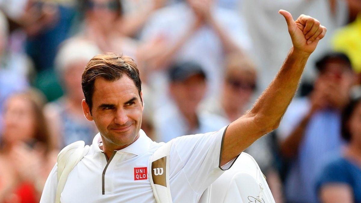 Federer zwaait naar het publiek