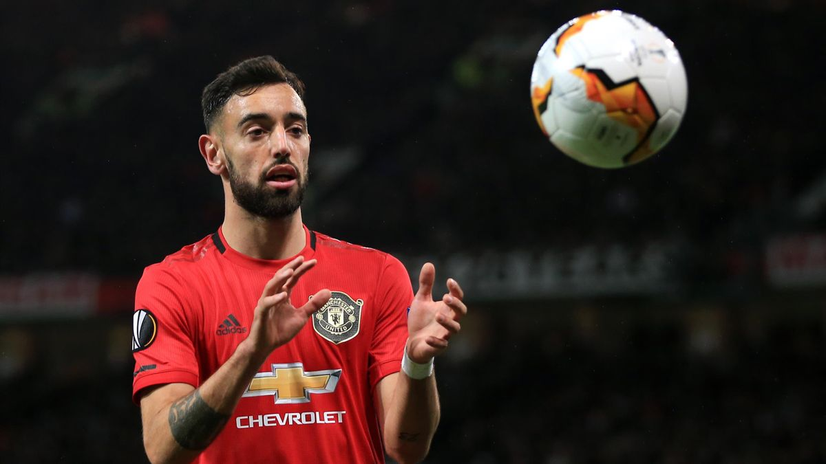 Bruno Fernandes of Man Utd catches the ball during the UEFA Europa League round of 32 second leg match between Manchester United and Club Brugge at Old Trafford on February 27, 2020