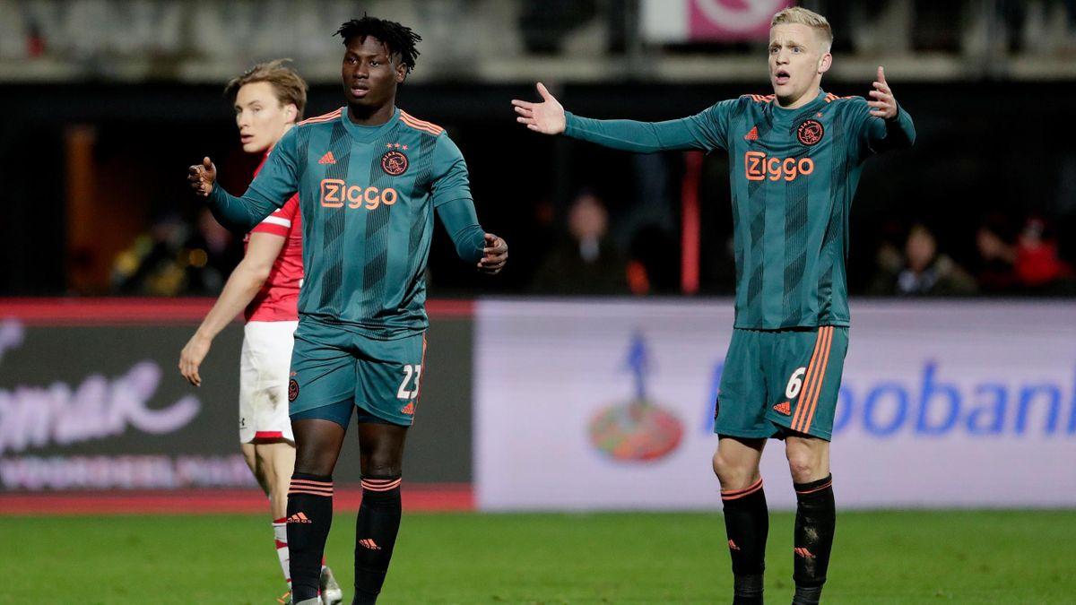 Lassina Traoré, Donny van de Beek în partida dintre AZ Alkmaar-Ajax - Eredivisie 2019/2020