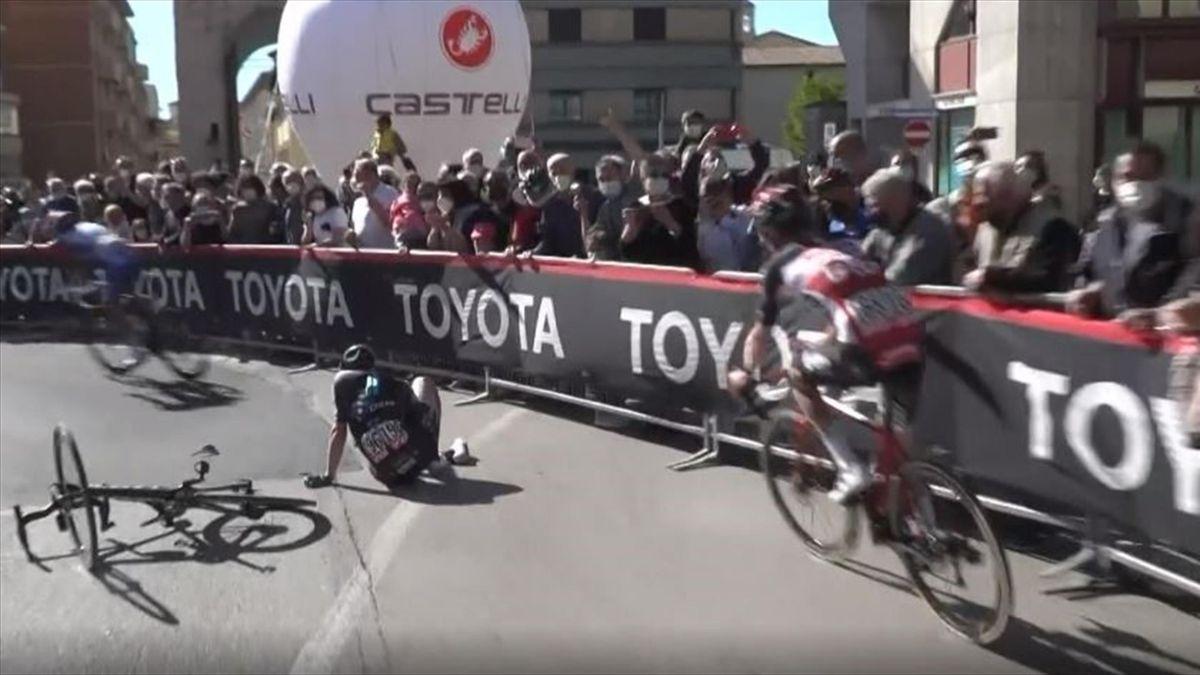 Rasante Fahrt nach Foligno: Kanter stürzt, Sagan nicht zu schlagen