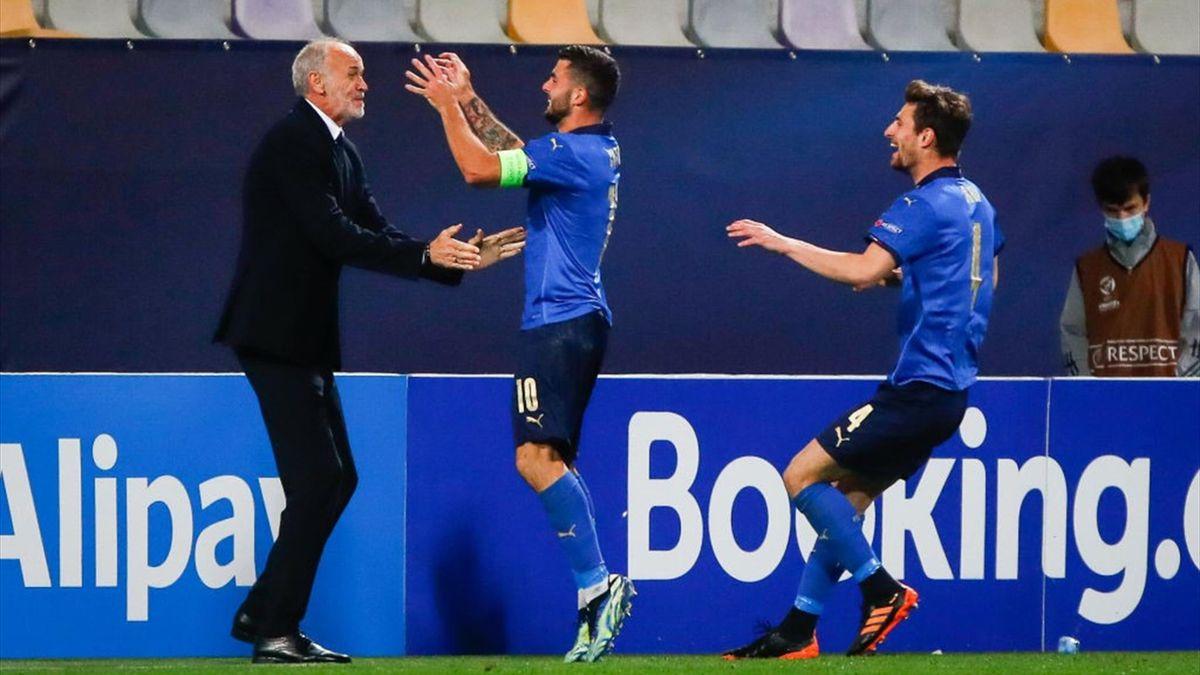 Il ct Paolo Nicolato e Cutrone esultano durante Italia-Slovenia - Europei Under 21 2021 - Getty Images