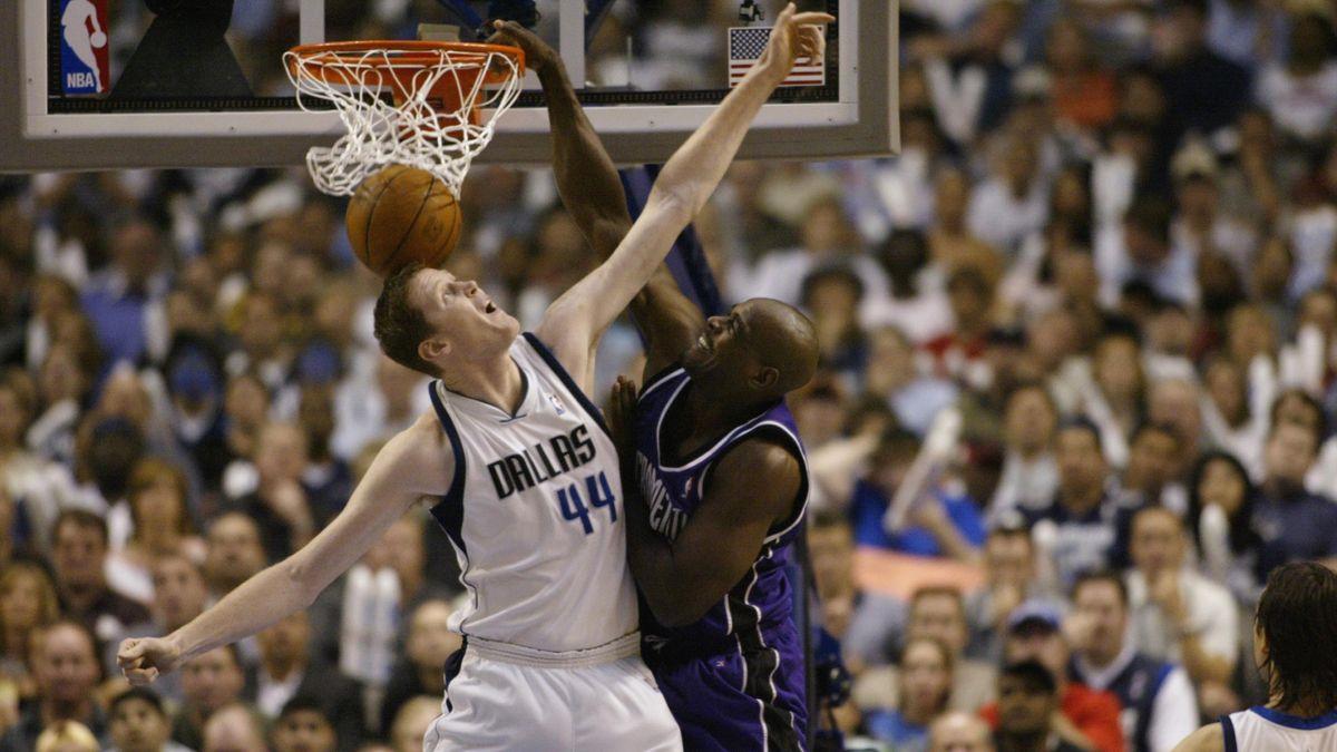 Shawn Bradley, l'ex-pivot de Dallas.