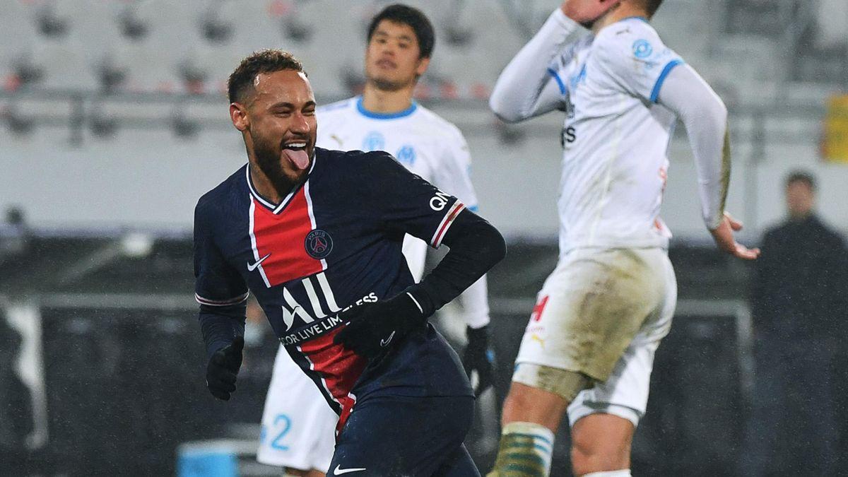 Neymar célèbre après avoir transformé un penalty lors du Trophée des champions entre le PSG et l'OM (2-1), le 13 janvier 2021 à Lens.