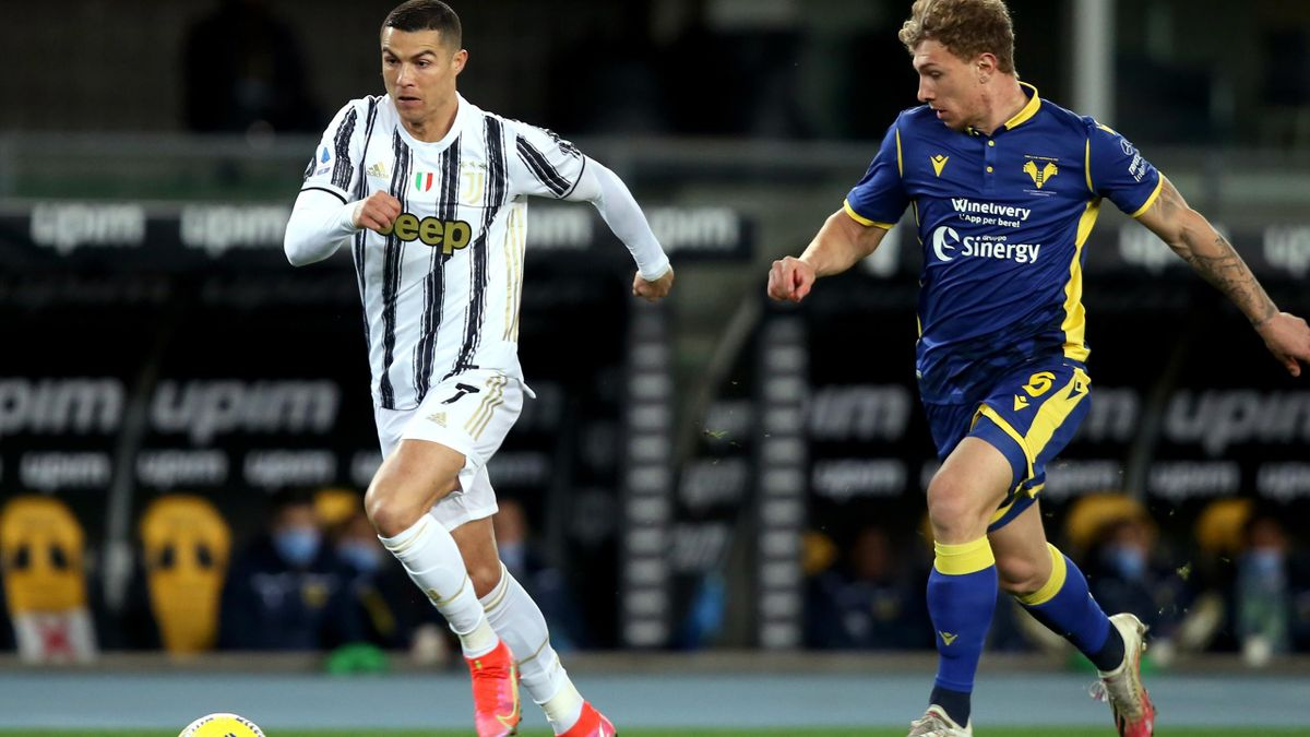 Cristiano Ronaldo (links) und Juventus Turin patzten bei Hellas Verona