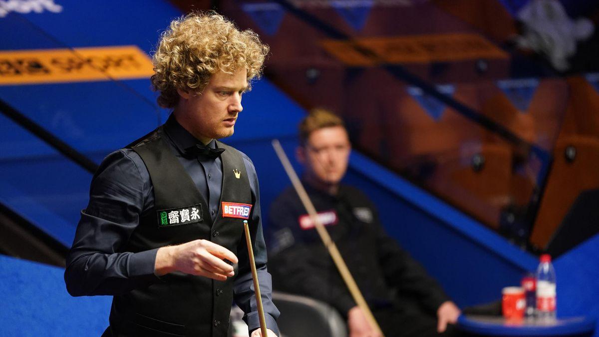 Neil Robertson eyes a pot, World Snooker Championship, The Crucible, Sheffield, April 27, 2021