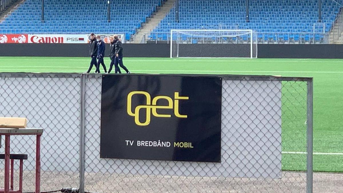 Strømsgodset-spillerne var onsdag morgen på plass på Marienlyst stadion for å delta i møter med Godset-styret.