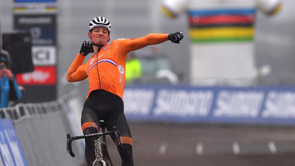 Mathieu van der Poel, sacré champion du monde de cyclo-cross 2021