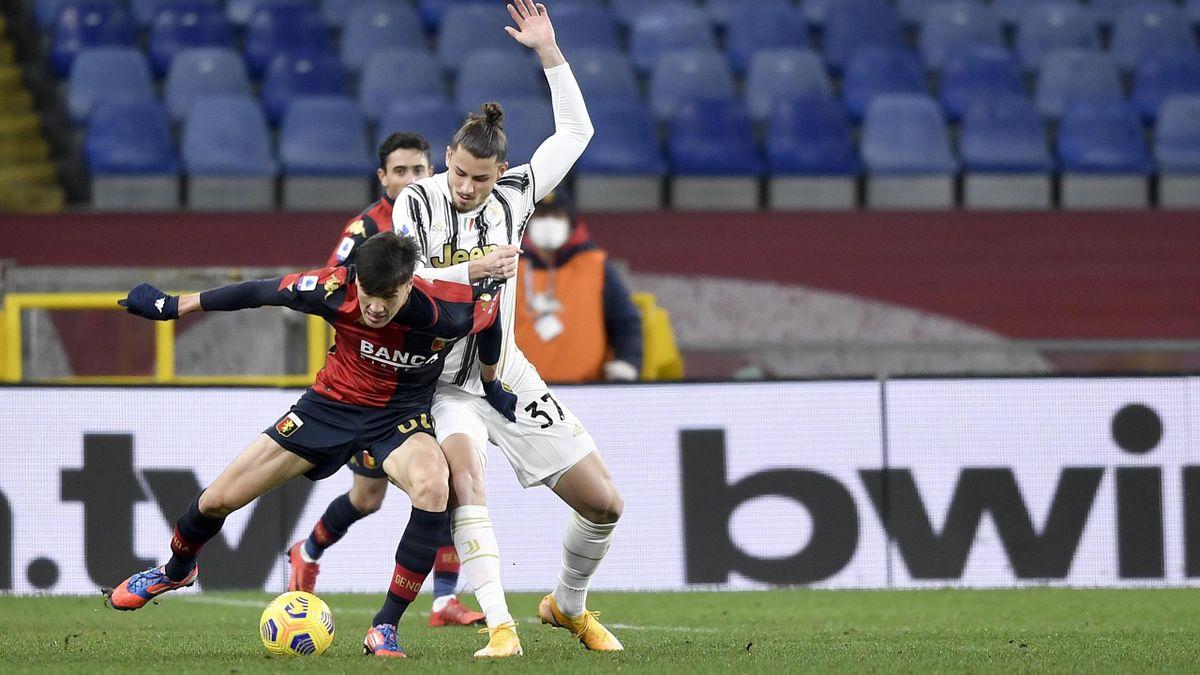 Radu Drăgușin, în partida cu Genoa