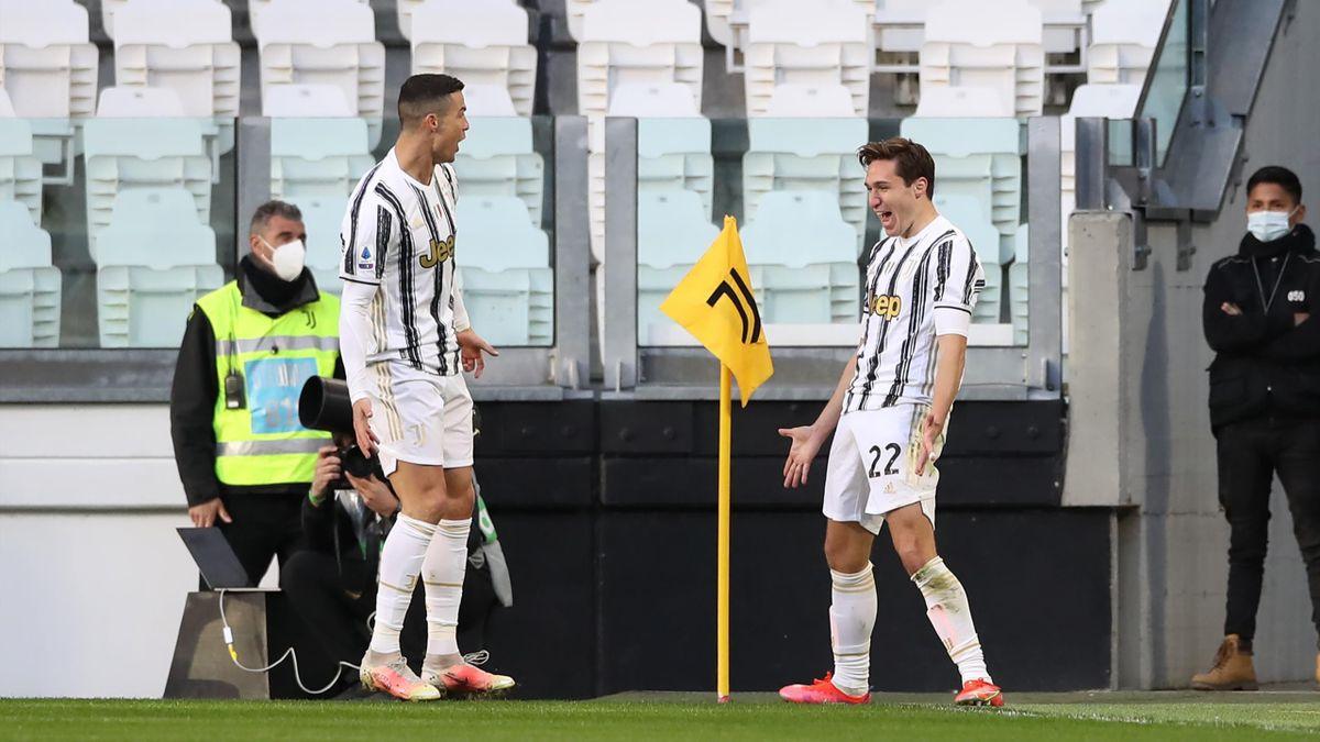 Cristiano Ronaldo e Federico Chiesa esultano dopo il gol in Juventus-Napoli, Getty Images