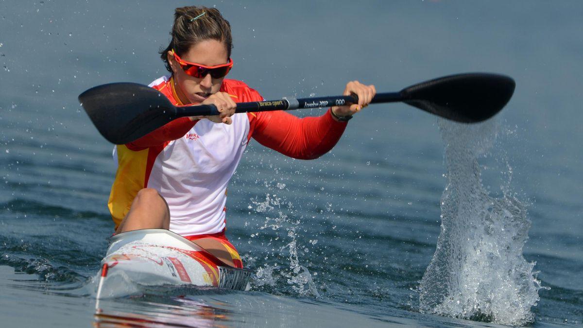 Teresa Portela, en acción durante una competición de piragüismo