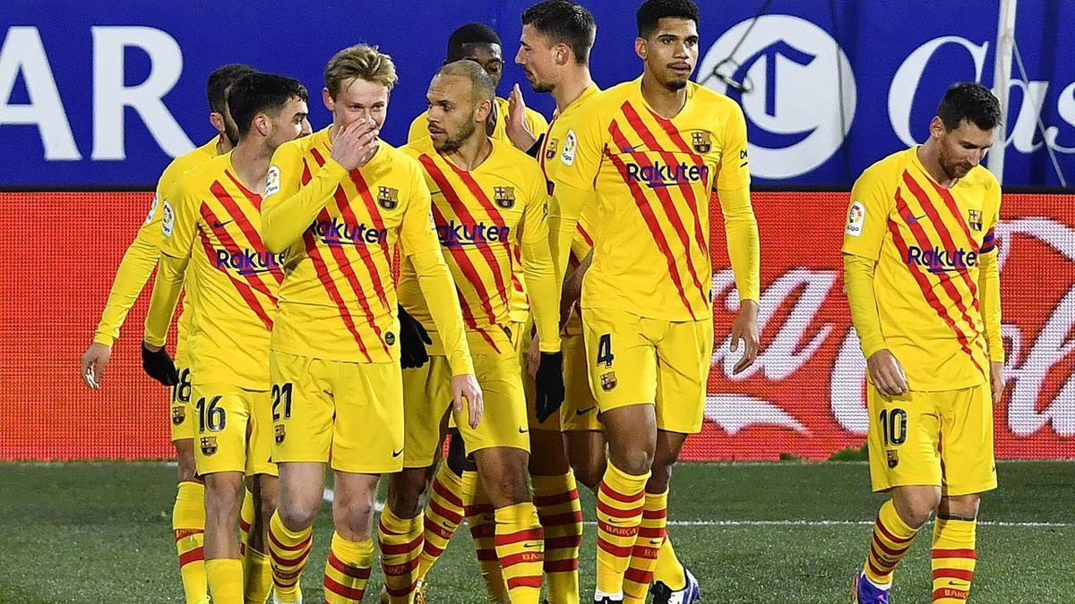 Frenkie de Jong buteur face à Huesca avec ses coéquipiers du Barça