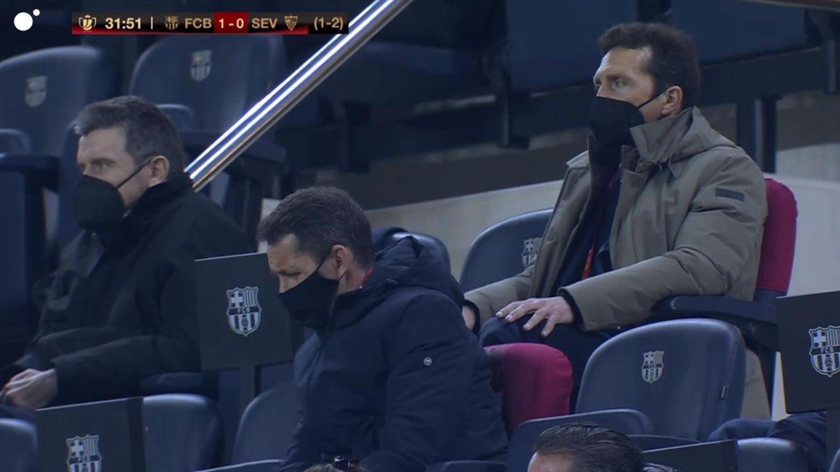 Juan Carlos Unzue, en el palco del Barcelona-Sevilla - Copa Rey 2021
