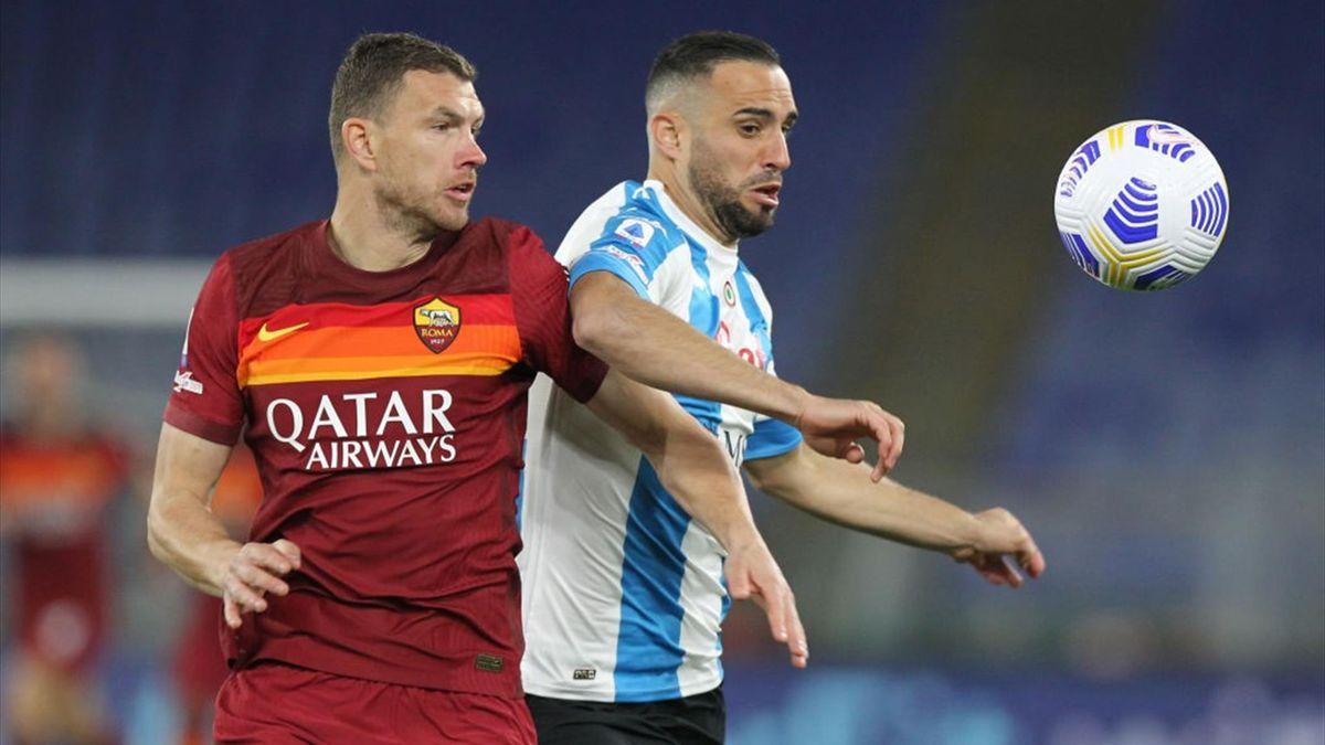 Dzeko a duello con Maksimovic in Roma-Napoli - Serie A 2020/2021 - Getty Images