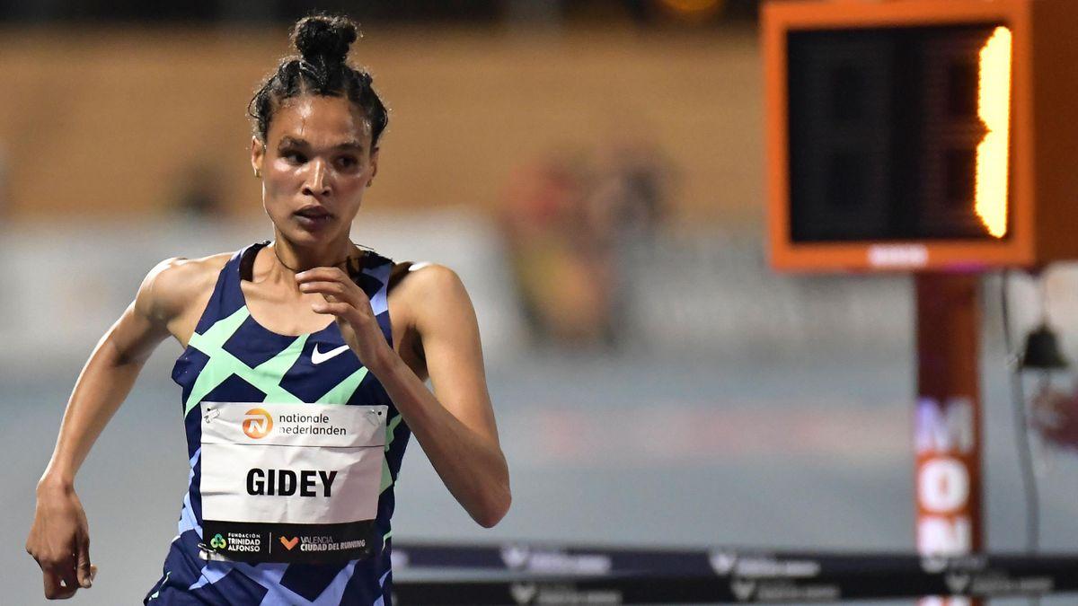 Letesenbet Gidey aus Äthiopien bei ihrem Weltrekord-Lauf über die 5.000 Meter