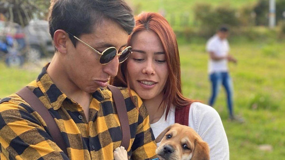 Egan Bernal con su perro
