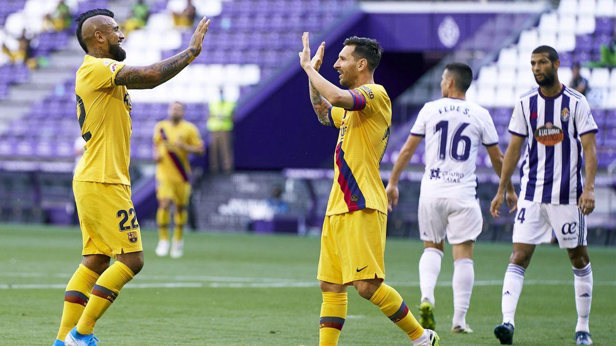 Arturo Vidal și Lionel Messi
