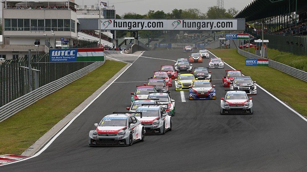 Salida de la primera carrera del WTCC en Hungría