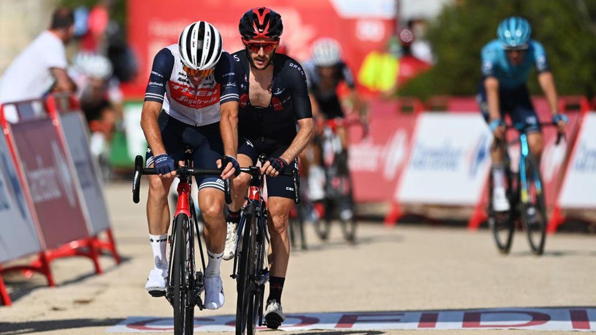 Ciccone e Adam Yates all'arrivo all'Alto de la Montaña de Cullera - Vuelta di Spagna 2021